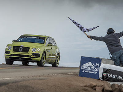 Стандартный Bentley Bentayga побил рекорд Пайкс Пик